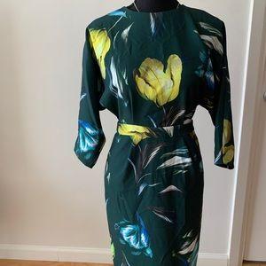 Mid sleeve pencil dress